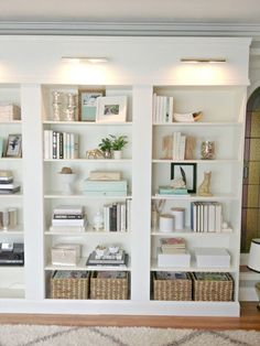 5 Simple Tips For Decorating Shelves - Organised Pretty Home - 5 simple tips for how to decorate or styling bookshelves with books, vases, and with pictures. Styling Bookshelves, Decorating Bookshelves, Bookshelf Design, Built In Bookcase, Bookshelf Ideas, Organizing Bookshelves, Bookcase Lighting, Modern Bookcase, Library Lighting