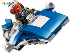 Nem tudod, hogy az Első Rendnek vagy az Ellenállásnak szurkolj? Építs nekik hajót, hogy rájöjj! A LEGO® Star Wars A-Wing vs. TIE Silencer 75196 készlettel otthonodba varázsolhatod a Csillagok háborúja: Az utolsó Jedik című film csatajeleneteit! De ne csak átéld, hanem változtasd kedvedre a csata kimenetelét! Kylo vagy Tallissan Lintra kerüljön ki győztesként az ütközetből? Ültesd a minifigurákat a hajóik tetejére, töltsd be a pöccintős rakétákat, és kezdődhet a harc! Vajon melyikük lesz a… Millennium Falcon, Chewbacca, Lego Star Wars, Wings, Darth Vader, Stars, Film, Movies, Film Stock