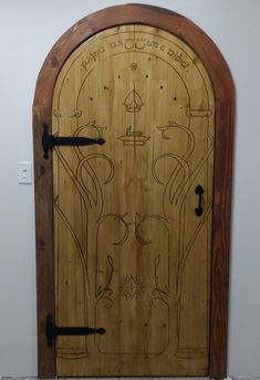 Lord of the Rings Door of Durin Build Make A Door, Diy Door, Hobbit Door, The Hobbit, Diy Wood Projects, Home Projects, Tolkien, Ring Home, House Games