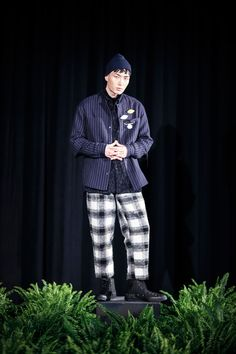 CWST unveiled its latest collection duringNew York Fashion Week: Men's. Inspired by grey washed rain shadows, cordovan tide lines, sandstone outcroppings and weathered Douglas-fir, CWST veils the sun for Fall/Winter 2016.