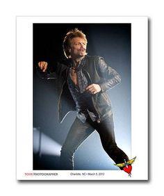 Great shot of Jon on stage in Charlotte by David Bergman  www.tourphotographer.com