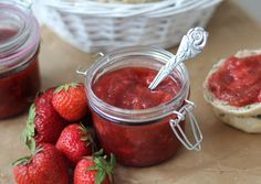 Jordbær-rabarber syltetøj (14)