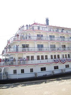 Passengers say hello from onboard the Queen of Mississippi when docked in Cape Girardeau by Cape Girardeau Convention and Visitors Bureau, via Flickr
