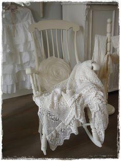 VERKOCHT! Antieke Zweedse witte schommelstoel