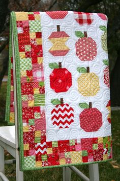 apple-licious quilt - Google Search