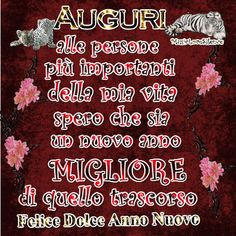 auguri felice anno nuovo – Musiclovesilence Christmas And New Year, Merry Christmas, Funny Good Morning Quotes, Good Night Gif, Happy New Year Cards, Good Thoughts, Messages, Italian Language, Happy Birthday Captions
