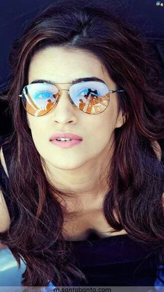 Do you know the female actress of Heropanti well? here we show you Kriti Sanon Hot HD Wallpapers Collection. His real name is Kriti Sanon a Bollywood Actors, Bollywood Celebrities, Bollywood Fashion, Bollywood Girls, Beautiful Bollywood Actress, Beautiful Actresses, Indian Models, India Beauty, Indian Girls