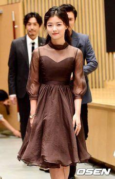 Korean Beauty, Asian Beauty, Kim Joo Jung, Jung Joon Young, Long Dress Design, Korean Actresses, Red Carpet Dresses, African Dress, Pakistani Dresses