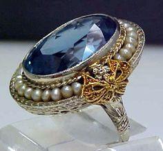 Stunning Edwardian 14K White Gold Filigree Ring