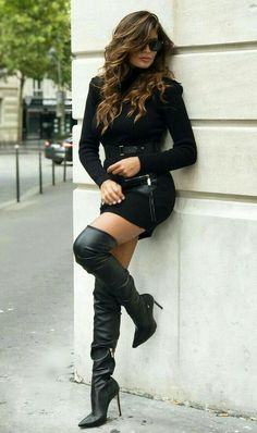 The 52 Best Fall Outfits with Scarves that are Simply Gorgeous Thigh High Boots, High Heel Boots, Heeled Boots, Mode Outfits, Sexy Outfits, Fall Outfits, Hot High Heels, Sexy Heels, Sexy Stiefel