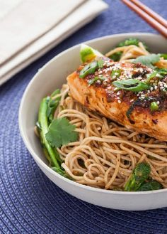 Low FODMAP Recipe and Gluten Free Recipe - Salmon with sesame & ginger noodles - http://www.ibs-health.com/salmon_sesame_ginger_noodles.html