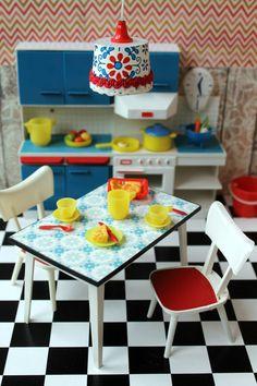Vintage Plastic Modella Dollhouse Kitchen by DollEnthousiastHome