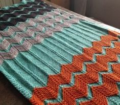 The Walt Painted Chevron Baby Blanket by Danielle Romanetti - FREE Ravelry pattern Baby Knitting Patterns, Crochet Patterns, Blanket Patterns, Free Knitting, Chevron Baby Blankets, Chevron Blanket, Knitted Afghans, Knitted Baby Blankets, Manta Crochet