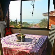Hear the sound of the waves and relax Boho Inspiration, Mandala Tapestry, Wine Time, Picnics, Summer Beach, Pink Purple, Boho Fashion, Outdoor Blanket, Africa