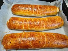 Hot Dog Buns, Hot Dogs, Bread, Foods, Christmas Ornaments, Bakken, Food Food, Christmas Jewelry, Breads