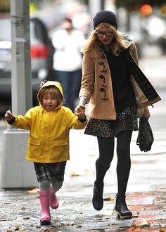 Cute Michelle Williams and her little Matilda.