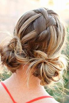 Amazing Ideas of Hairstyles with Buns picture 2