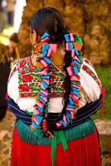 Mujer purepecha en traje tipico. Patzcuaro, Michoacan, Mexico. Nomadia Tours