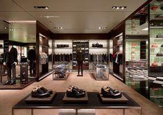 Prada-flagship-store-by-Roberto-Baciocchi-Dubai-04.jpg (720×508)