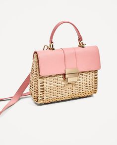Everything we are loving at Zara this summer! Cute Purses, Purses And Bags, Women's Bags, Latest Bags, Zara Bags, Wholesale Bags, Basket Bag, Summer Bags, Sisal