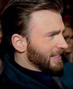 Chris Evans Daily : Photo