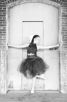 Dance, Children Photography, Girl Photography, Ballet Photography, Ballet, Photography, Dance photography, Cleveland Photographer, Outdoor Photography, DW Photography. Please check out my website for more information at www.dwphotog.com
