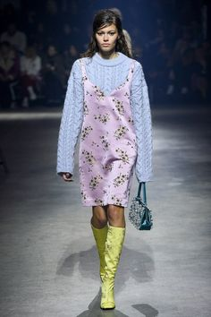 The complete Kenzo Fall 2018 Ready-to-Wear fashion show now on Vogue Runway.