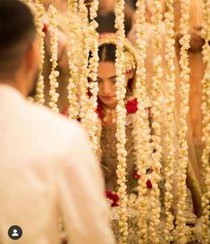 Desi Wedding, Wedding Poses, Wedding Photoshoot, Wedding Bride, Wedding Ideas, Pakistani Bridal Makeup, Pakistani Wedding Dresses, Muslim Couple Photography, Bridal Photography