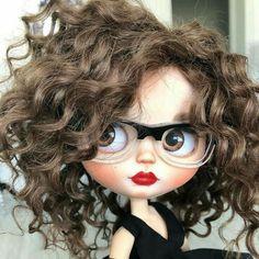 Porcelain China Mugs Code: 1756823227 Bratz Doll, Ooak Dolls, Blythe Dolls, Pretty Dolls, Cute Dolls, Beautiful Dolls, Cute Girl Drawing, Girly Drawings, Cute Cartoon Wallpapers