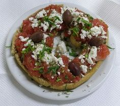 What to eat in Crete - a food guide Feta, Greek Diet, Eat Greek, Grilled Bread, Greek Salad Recipes, Bruschetta Recipe, Antipasto, Mediterranean Recipes, Light Recipes
