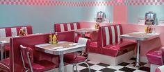 Arredo Vintage: Arredamento American Style per Case e Locali – Decoración – retro Café Retro, Retro Cafe, Retro Diner, Cafe 50s, 50s Diner Kitchen, 1950s Diner, Vintage Diner, Cafe Interior, Interior Design