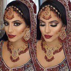 """Indischer Brautlook in Dunkelrot, Bordeaux und Gold mti wunderschönen Acessoires """"Stunning bridal work by #DressYourFace"""