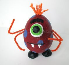 Cute Halloween Craft  Pinned for Kidfolio, the parenting mobile app that makes sharing a snap.
