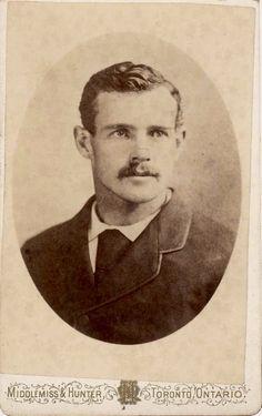 Vintage Love, Vintage Images, Vintage Men, Victorian Men, Victorian Photos, Mustache Men, Old Photography, Military Photos, Man Images
