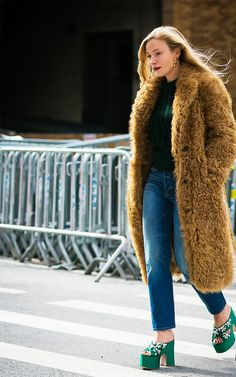 Though we may still be struggling through the winter weather, spring is just around the corner and it's time to start shopping trends. See the shoes here.