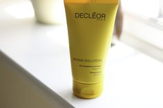 I fell in love with the DECLÉOR range so years ago, and I have always looked out for the products to add to my skincare routine. So I was extremely happy when this DECLÉOR Aroma Solutions Prolagene…