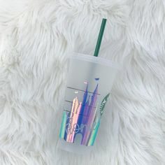 Home Disney World Castle *Starbucks Cold Cups* Iridescent castle * Castle is my world * duh, i'm a princess * Copo Starbucks, Starbucks Cup Art, Disney Starbucks, Custom Starbucks Cup, Starbucks Logo, Starbucks Tumbler, Starbucks Drinks, Coffee Cup Cozy, Mug Cozy