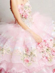 Find images and videos about pink, floral and dresses on We Heart It - the app to get lost in what you love. Pretty In Pink, Pink Love, Pale Pink, Couleur Rose Pastel, Design Creation, Fashion In, Romantic Fashion, Korean Fashion, Vintage Fashion