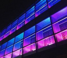 The pink lights give off a blue color in this building. This is implied lighting. Purple Aesthetic, Aesthetic Grunge, Aesthetic Vintage, Tumblr Wallpaper, Neon Wallpaper, Vaporwave, Luz Artificial, Building Aesthetic, Pantone