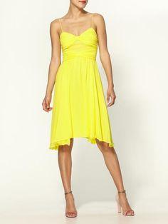 Love this yellow dress.