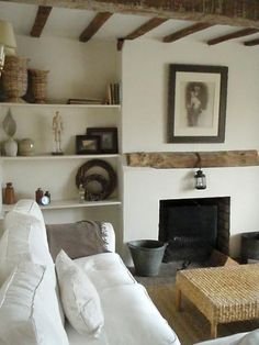 Small Living Room Design must be awesome if you want to make your best fell cozy enough. Here are few tips on how to design a best small living room. Small Living Room Design, Small Living Rooms, Living Room Designs, Earth Tones, Bookcase, Shelves, Design Ideas, Inspiration, Home Decor