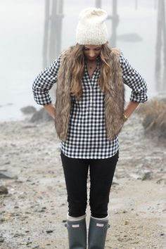 Plaid Shirt, Fur Vest, Hunter Boots | Winter Fashion Ideas | Winter Style Tips | How to Dress for Winter | How to Style Hunter Boots | Fashion for Winter || Lauren McBride