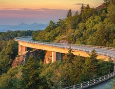 Must Drive: The Blue Ridge Parkway connects 2 national parks on Roadtrippers Blue Ridge Parkway, Blue Ridge Mountains, Great Smoky Mountains, Oregon Trail, Smoky Mountain National Park, Seen, State Parks, Places To See, National Parks