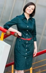 I like shirtdresses a lot. It'd be great to have one without gaping or pockets over the bust.