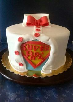 Die 86 Besten Bilder Von Torten Fur Manner Fondant Cakes Cake
