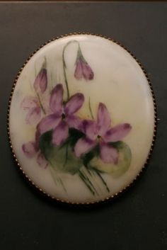 Large-Beautiful-Antique-Victorian-Hand-Painted-Violets-Porcelain-Brooch-Pin