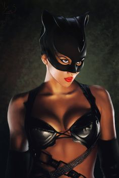 #Catwoman #Fan #Art. (Catwoman) By: MishaART. It's really a painting...