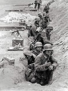 German's waiting in a trench line...