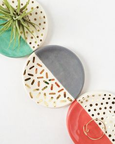 Gold patterned ring dishes by Quiet Clementine Ceramic Clay, Ceramic Painting, Ceramic Plates, Ceramic Pottery, Pottery Painting Ideas, Clay Plates, Decorative Plates, Diy Clay, Clay Crafts