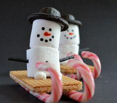 Sneeuwpop op slee; leuk voor de kerst/winter!